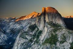 Mezzo parco nazionale di Yosemite della cupola, California Fotografie Stock Libere da Diritti