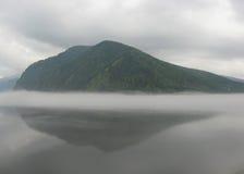 mgła nad rzeką Obrazy Royalty Free