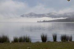 Mgła udźwig w wczesnym poranku na Somerset tamie Obraz Royalty Free