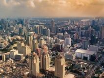 mgławy miasto zmierzch Fotografia Stock