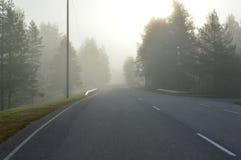 Mgłowa otwarta droga Fotografia Royalty Free