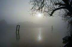 Mgłowa rzeka Zdjęcia Stock