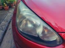 Mgłowi i chmurni samochodowi reflektorów obiektywy Mitsubishi miraż obrazy stock