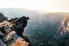Mgłowy dzień przy Yosemite lodowa Dolinnym punktem w Yosemite obywatelu zdjęcie stock