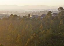 Mgłowy ranek w średniogórzu Zdjęcie Royalty Free