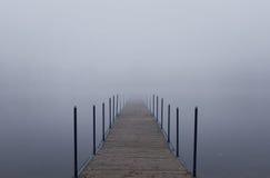 mgły niekończący się jetty fotografia stock