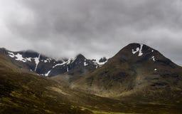 Mgła chmurnieje obwieszenie nad Glencoe górami Zdjęcia Royalty Free