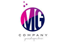 MG M G Circle Letter Logo Design met Purper Dots Bubbles Royalty-vrije Stock Afbeelding