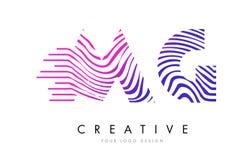 MG M G Zebra Lines Letter Logo Design avec des couleurs magenta Images stock