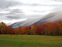 Mgła na halnej stronie w spadku Obraz Royalty Free