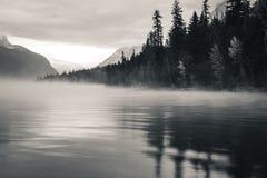 mgła nad jezioro Obrazy Royalty Free