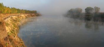 mgłowa rzeka Zdjęcie Royalty Free