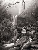 Mgłowy ranek przy Kaaterskill spadkami Fotografia Stock