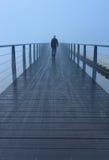 Mgłowy spacer Zdjęcia Royalty Free