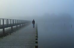 Mgłowy spacer Zdjęcia Stock