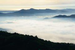 Mgła przy Khohong Wzgórzem Zdjęcia Stock