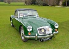 MG verde clássico um carro de motor dos esportes Fotografia de Stock