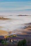 mgły Italy krajobrazowy montepulciano Tuscan Zdjęcie Stock