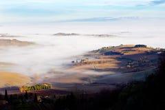 mgły Italy krajobrazowy montepulciano Tuscan Zdjęcie Royalty Free