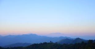 mgły ranek góry Zdjęcia Stock