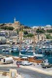 Mgarr hamn med fartyg i Malta Royaltyfria Foton