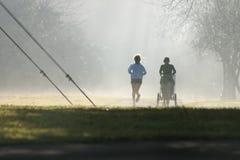 mgliści biegacze zdjęcia royalty free
