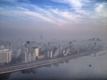 Mglista scena nad Pyongyang w wczesnym poranku Obraz Royalty Free