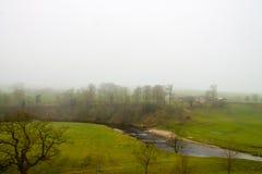 Mglista sceneria w Wharfedale Zdjęcie Royalty Free
