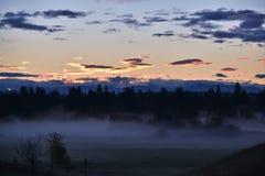 Mglisty ranku wschód słońca Zdjęcia Royalty Free