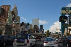 Mgm Grand, nuevo York-nuevo hotel y casino, la tira, Mgm Grand Las Vegas, coche, zona metropolitana, ciudad, zona urbana de York imagen de archivo libre de regalías