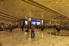 MGM Hotelowy Rejestracyjny teren w Las Vegas, NV na Sierpień 06, 2013 Fotografia Royalty Free