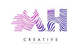 MH M H Zebra Lines Letter Logo Design avec des couleurs magenta Image stock