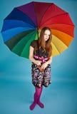 Mißfallenes Mädchen mit Regenschirm Lizenzfreies Stockfoto