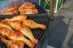 Mięso gotuje piec na grillu Grill na węglach obraz royalty free