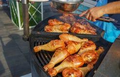 Mięso gotuje piec na grillu Grill na węglach obrazy stock