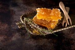Miód w honeycombs Obrazy Royalty Free