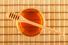 Miód w słoju z chochlą na macie Obraz Royalty Free