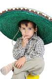 Miúdo bonito com chapéu mexicano fotos de stock royalty free