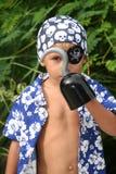 Miúdo do pirata que olha o gancho da calha Imagens de Stock Royalty Free