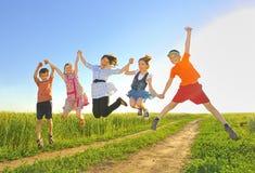 Miúdos de salto Foto de Stock