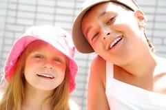 Miúdos de sorriso do verão foto de stock royalty free