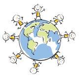 Miúdos em torno do globo Fotografia de Stock Royalty Free