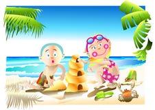 Miúdos felizes na praia Fotos de Stock Royalty Free