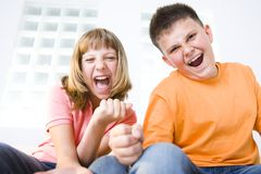 Miúdos gritando Imagem de Stock Royalty Free