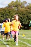 Miúdos na raça dos esportes Fotografia de Stock Royalty Free