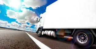 Międzynarodowa dostarcza towarowa przyczepa Zdjęcia Stock