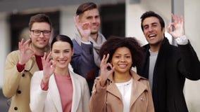 Międzynarodowego biznesu seansu ok ręki drużynowy znak zdjęcie wideo