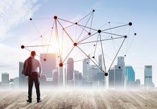 Międzynarodowy biznesowy networking i socjalny związek przeciw nowożytnemu miasta tłu Zdjęcia Stock