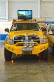 Międzynarodowych Powystawowych logistyk Moskwa holowniczej ciężarówki Samochodowy żółty kolor Obraz Royalty Free