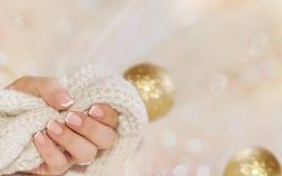 Miękka gwóźdź sztuka manicure Wakacje stylowy jaskrawy manicure z g obraz royalty free